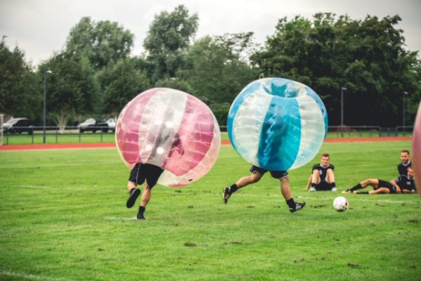 Fodboldkamp med Bumper balls