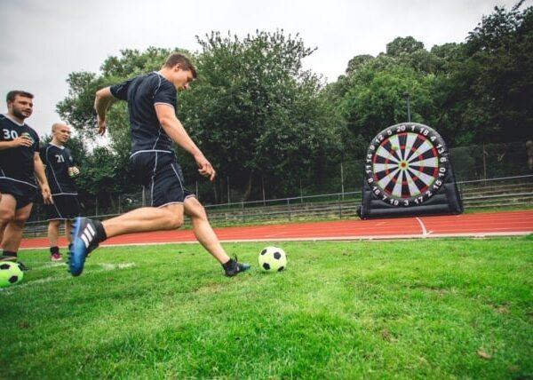 Fodbolddart til polterabend